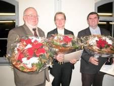 Zu sehen sind die drei Preisträger für das Jahr 2007. Links Herr Hartmut Reinsberg in der Mitte Frau Andrea Täschner und rechts Herr Wolfgang Martin.