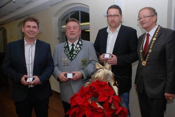 Ehrennadel Gruppenfoto mit OB